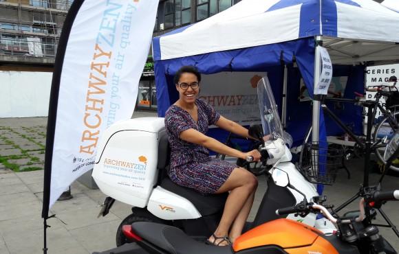 Cllr Kaya Comer Schwartz has a go on one or the ZEN bikes